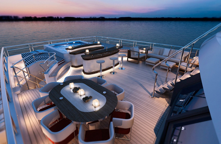 red-square-yacht-dunya-yachts-02